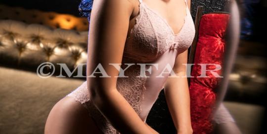 Amy-Mayfair (1)
